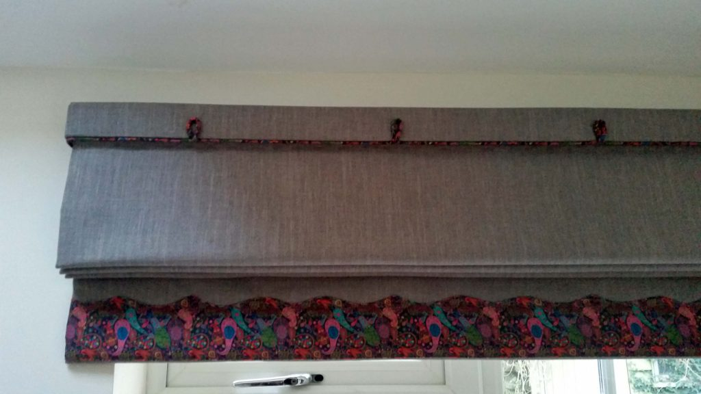 Roman Blind With Piped Shaped Border Penny Gregory